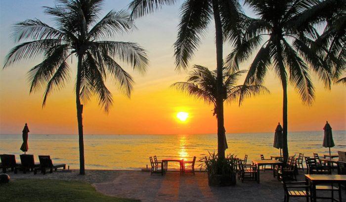 Mooi Kleurrijk strand Hua Hin