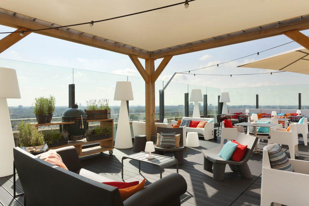 Rooftop barren in amsterdam een drankje met panoramisch for 17 floor
