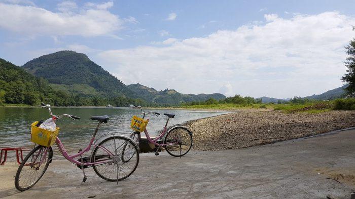 Fietsen langs de Li rivier