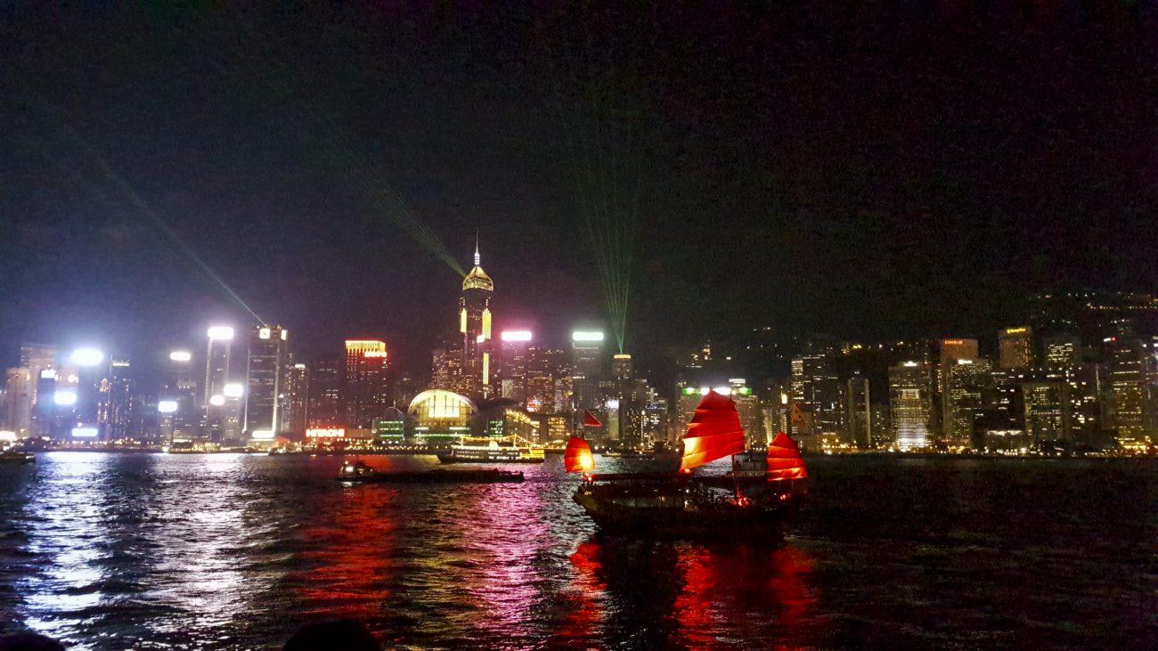 Lichtshow in de Victoria Harbour Hong Kong