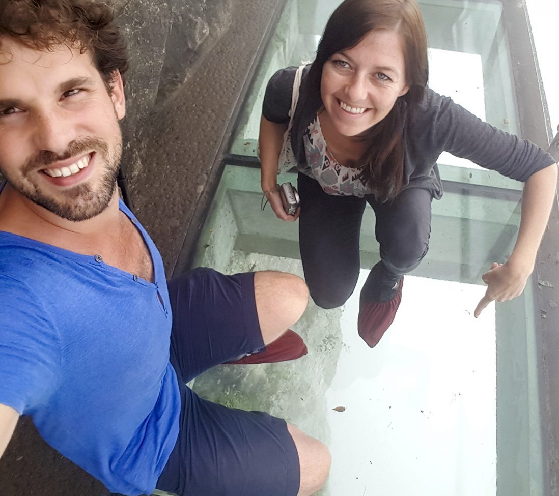 Op het 1430 meter hoge glazen klifpad