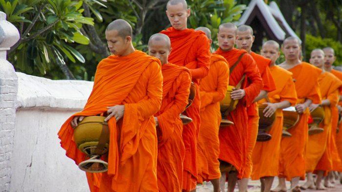 Aalmoes ceremonie Luang Prabang
