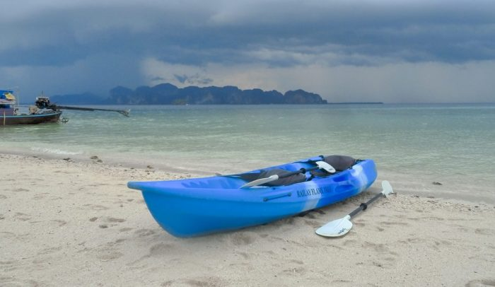 Kanoen of kajakken naar eilandjes in de buurt van Krabi