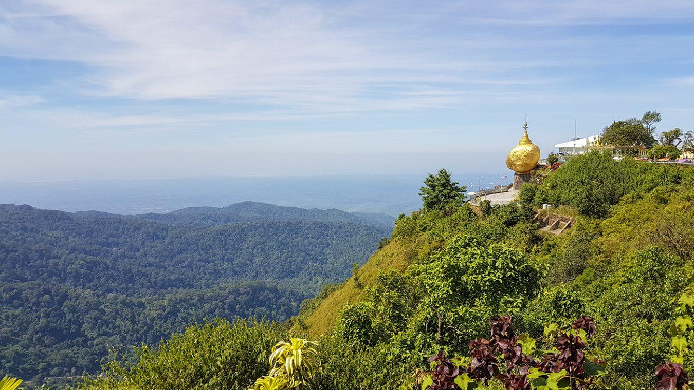 Mount Kyaiktiyo is een magische plek in Myanmar