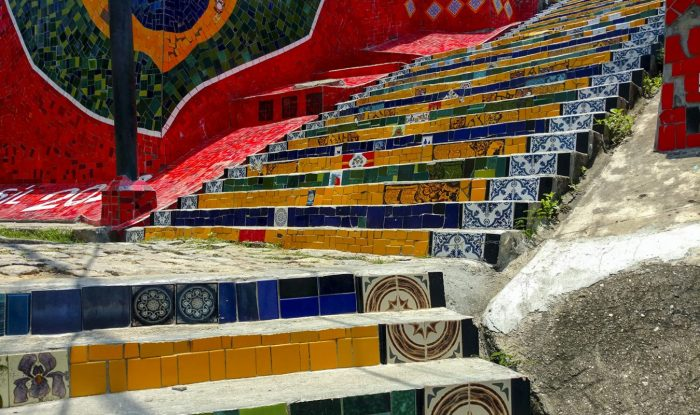 De Escadaria Selarón trappen verbinden de wijk Lapa met Santa Teresa